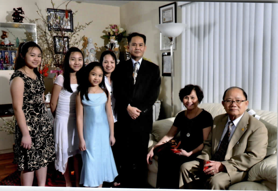 William Vuong and Luu Christina with family