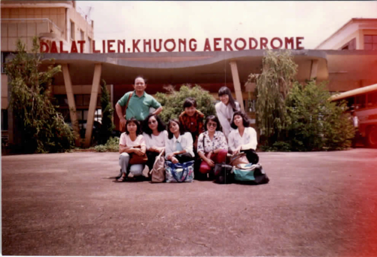 Group photo in front of Dalat Lien Khuong Aerodrome<br />