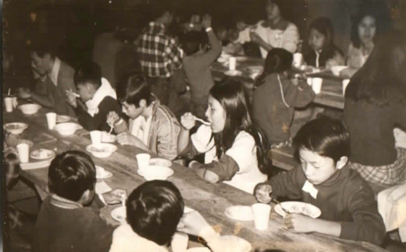 Children eating at a table<br />
